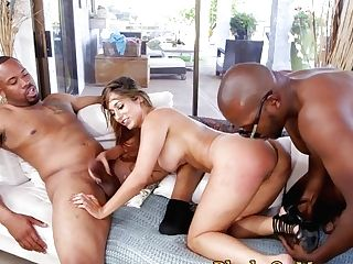 Bigbooty Interracial Cougar Spitroasted In Trio