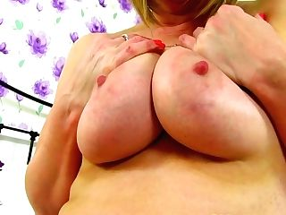 Brit Cougar April Massages Her Very Cock-squeezing Cunt