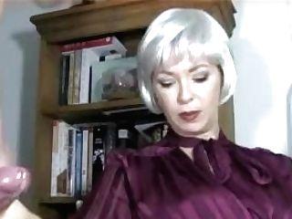 Mistress Gives Gimp A Supah Hard-on