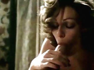 Lubricious Femmes Give Dual Suck Off In Ffm Threesome
