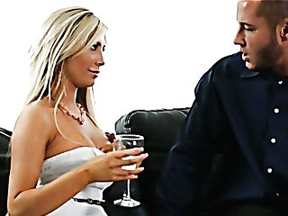 Nasty Blonde Mommy Came To Her Neighbor To Have Fuckfest