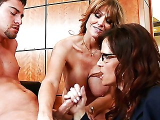 Duo Of Sexy Skilled Mommies Please Horny Manager Seth Gamble With Solid Bj