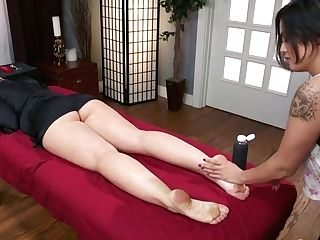 Ardent Sapphic Mummy Savannah Fox Is Blessed To Love Some Assfuck Getting Off
