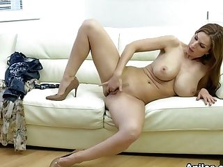 Carol Gold In Housewife Shows Off - Anilos
