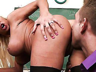 Horny Stud Bill Bailey Rear End Fucks Stacked Ash-blonde Stunner Nikita Von James Hard