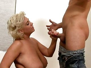 Curvy Hoe Claudia Marie With Immense Fun Bags Sucking Dick