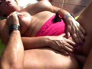 Big Tits Cougars Silvia Is Back